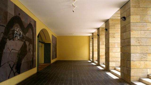 musee-dart-moderne-ceret-porche-dentree.jpg