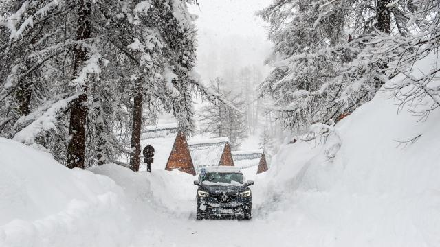 Chutes de neige abondantes à Vars, N'oubliez pas les équipements, ils sont obligatoires!