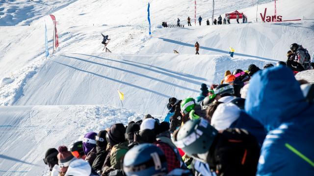Ski freestyle sur le Park de l'Eyssina