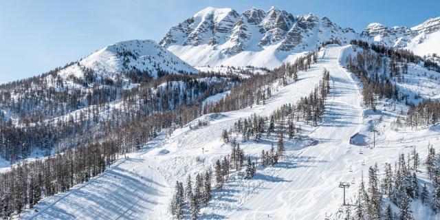 Domaine skiable de Vars et son emblématique montagne de l'Eyssina