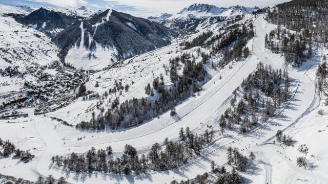 Piste de l'Olympique qui permet de rejoindre le village de Sainte Marie par le domaine skiable