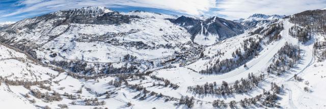 Domaine skiable et villages de Vars