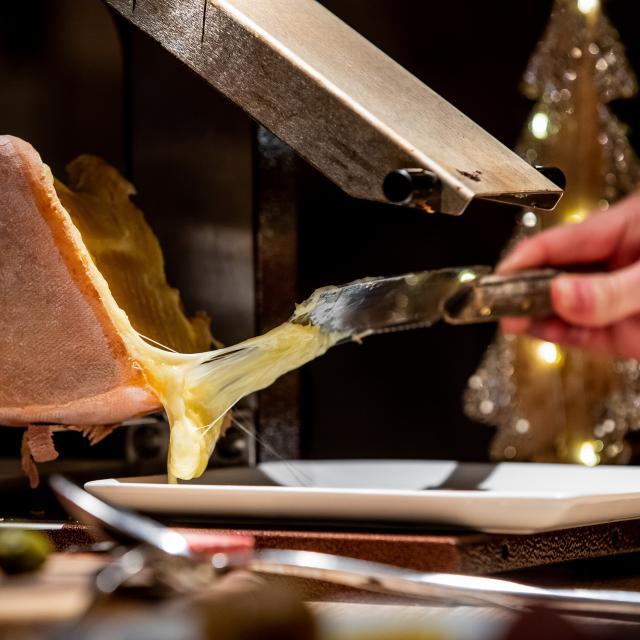 Raclette, un plat montagnard à déguster dans de nombreux restaurants varsincs