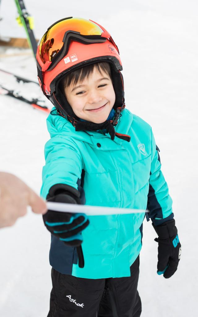 Remise du certicat de vitesse lors d'un test de ski de piste sur le bas de la piste la plus rapide du monde