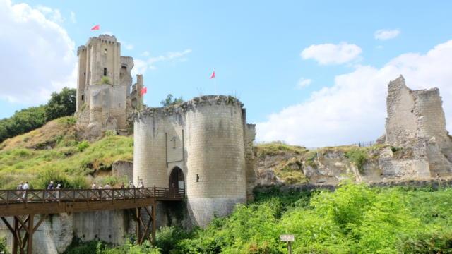 Vue sur le château de Lavardin