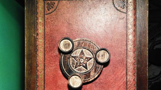Livre ancien pour représenter l'Escape Castle de Fréteval