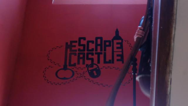 Escaliers pour accéder à l'Escape Castle à Fréteval