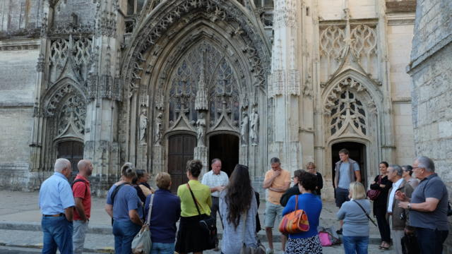 Visite guidée devant l'Abbaye de la Trinité à Vendôme