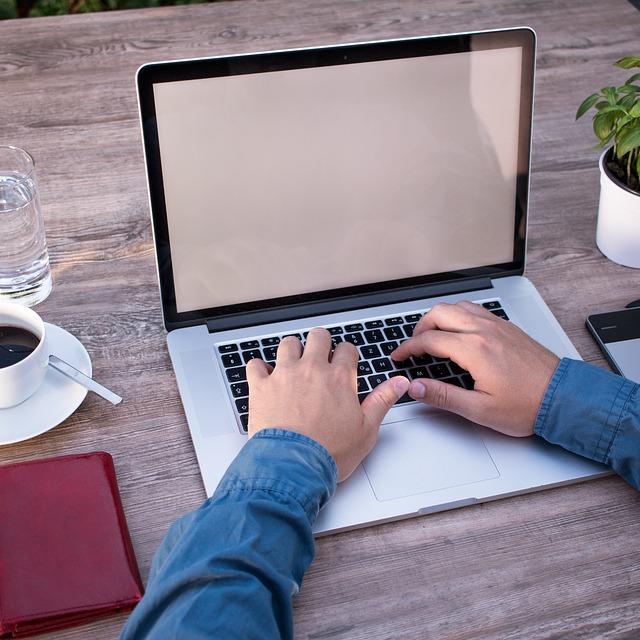 Travail sur informatique