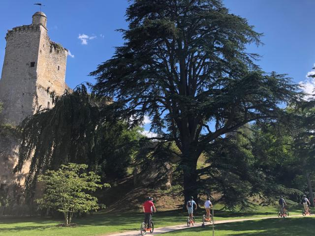 Balade En Trottinette électrique Tout Terrain dans le parc du château de Vendôme