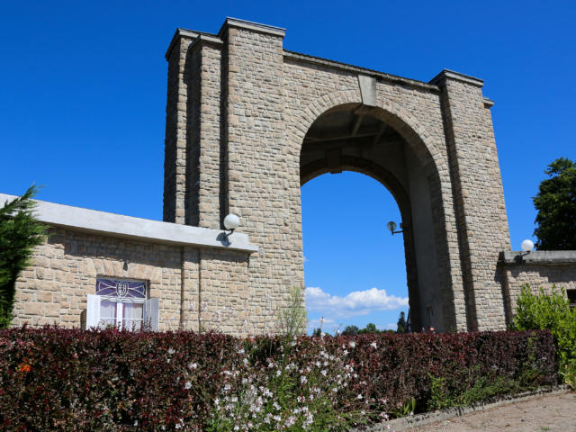L'arche du stade François Chassaing - Egletons