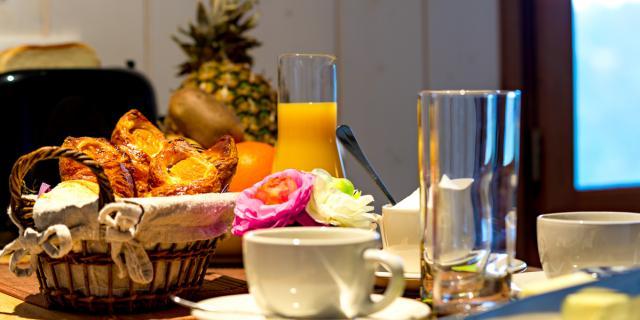 Petit déjeuner au Domaine des Monédières