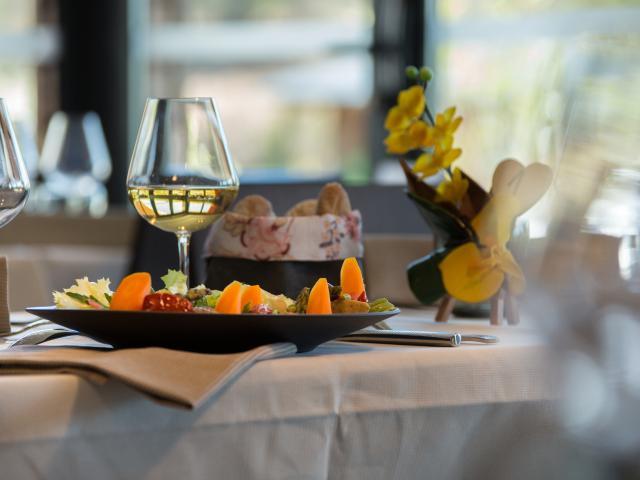 Restaurant - Table des Monedieres
