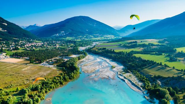 Parapente, lac de Castillon, Alpes de Haute Provence, Parc Naturel Régional du Verdon