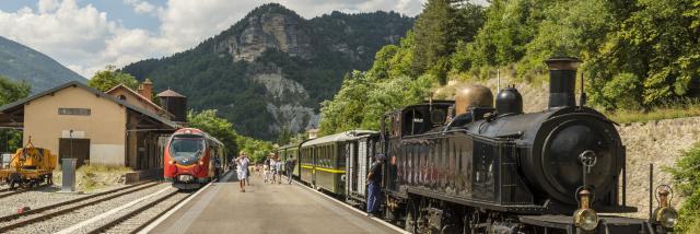Trains des Pignes et des chemins de fer de Provence