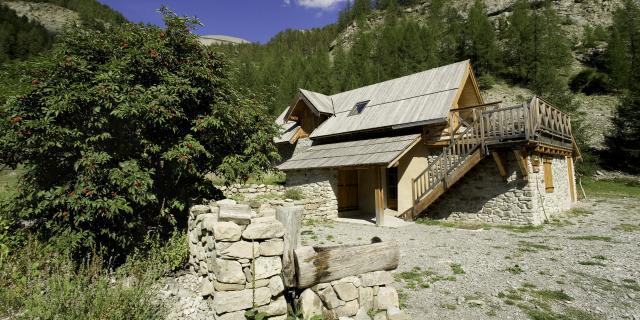 cabane-forestiere-la-fruchiere.jpg
