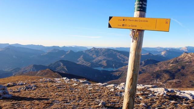photo-coup-de-coeur-au-sommet-du-teillon-jeremy-southern-explorer.jpg