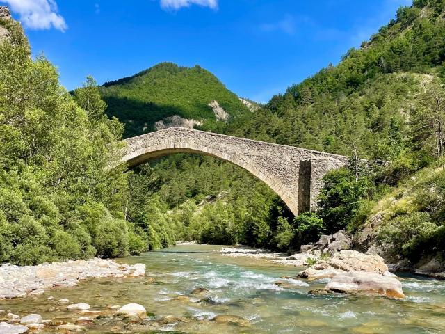 Le Pont De La Reine Jeanne ©a.baud