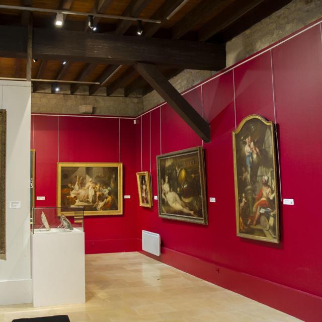 Musée De L'echevinage - Exposition de nombreux tableaux d'époque