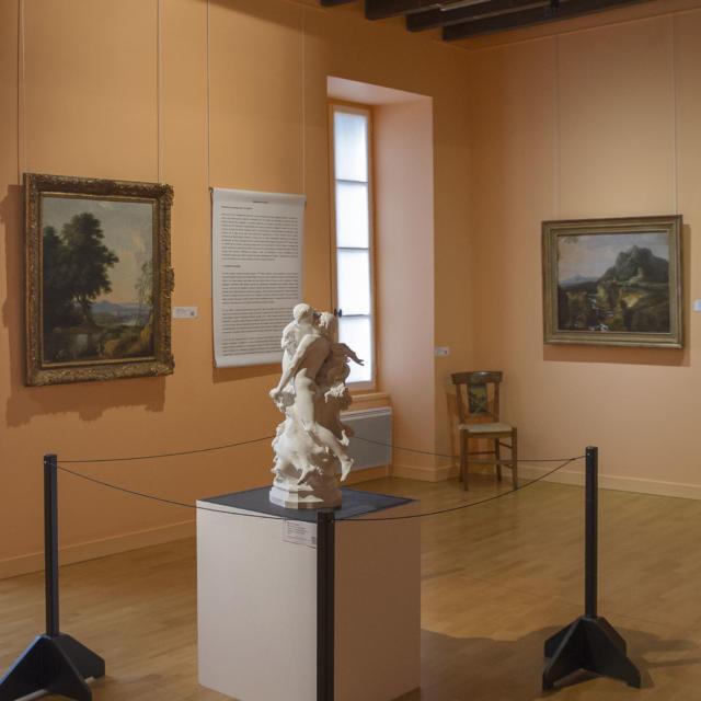 Musée De L'echevinage - Exposition de Tableaux et sculpture