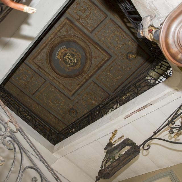 Musée Dupuy-Mestreau - Vue de l'Escalier en pierre et fer forgé