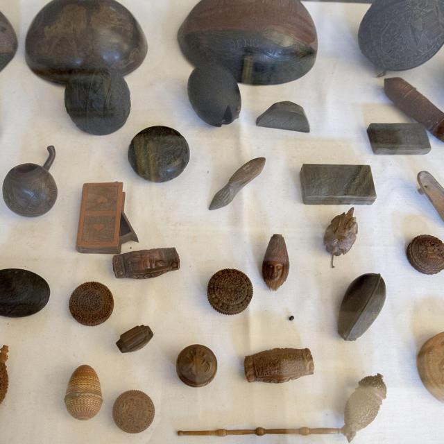 Musée Dupuy-Mestreau - Exposition des objets sculptés