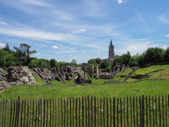 Amphithéâtre gallo-romain saintes