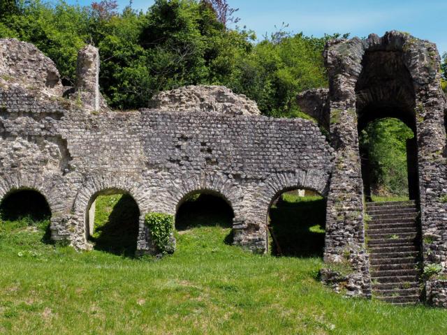 Vestiges amphithéâtre gallo-romain saintes