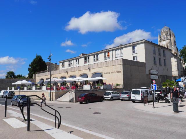Les halls du marché Saint-Pierre