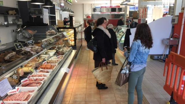 Marché St Pierre File D'attente Moreau